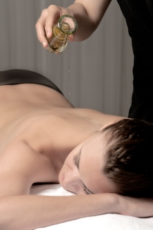 Nice HD Massage Huiles Deep Nature Spa © Olivia Marocco